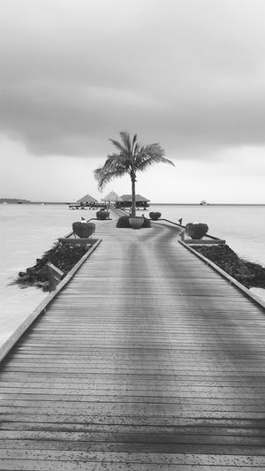 Maldives Jetty Ocean Sky Taking Photos Black & White Samsung Galaxy S6 Taj Resort Holiday Rain Today Cloudy