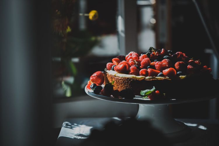 EyeEm Selects Food And Drink Food Freshness Berry Fruit Fruit Healthy Eating Still Life Close-up Focus On Foreground Raspberry Table Indulgence No People Sweet Food Dessert Sweet Cake Strawberry Indoors  Baked
