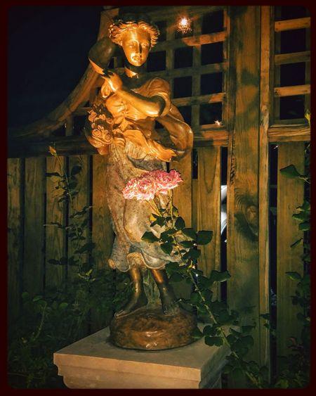 Iluminada... Illuminated Human Representation Outdoors Statue Ninfa Nightphotography Night Lights Nightlights