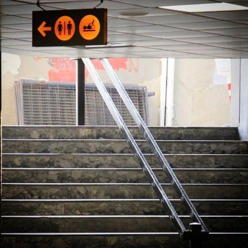 Direction Sign Yon Arrow ok stairs merdiven isaretler