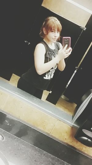 The quality on this phone is so bad. I might just start using my real camera more often.... :/ Cheese Taking Photos Check This Out Hanging Out That's Me Hello World Cheese! Planet Fitness  Mirror Pic