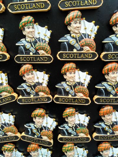 Fridge magnets with the figure of a Scotsman playing the bagpipe Music Player Souvenir Magneti Fridge Bagpipe Man Playing Traditional Close-up Display