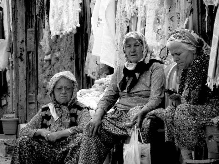 EyeEm Best Shots Oldwoman Taking Photos Blackandwhite OpenEdit Yaşlıkadınlar Yaşlı Old Oldie  Taking Photos