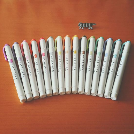 手帳に使ってるマイルドライナー。 全種類、揃えてしまいました〜(o´罒`o)ニヒヒ♡ マイルドライナー Mildliner ペン