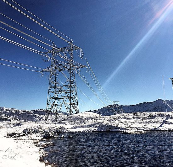First Snow of the Season  😎 Enjoying The Sun Portrait of a Mountain
