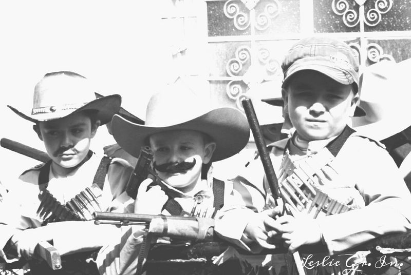 Mexico_maravilloso Tradicionesmx Children Photography Leslie_Gr_In People Mexico Peoplephotography RevolucionMexicana Streetphoto_bw Blackandwhite Niños