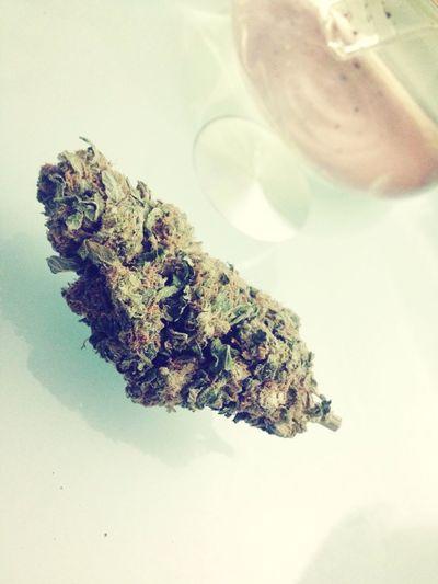 Weed Smoking Bud Blackberry Sour