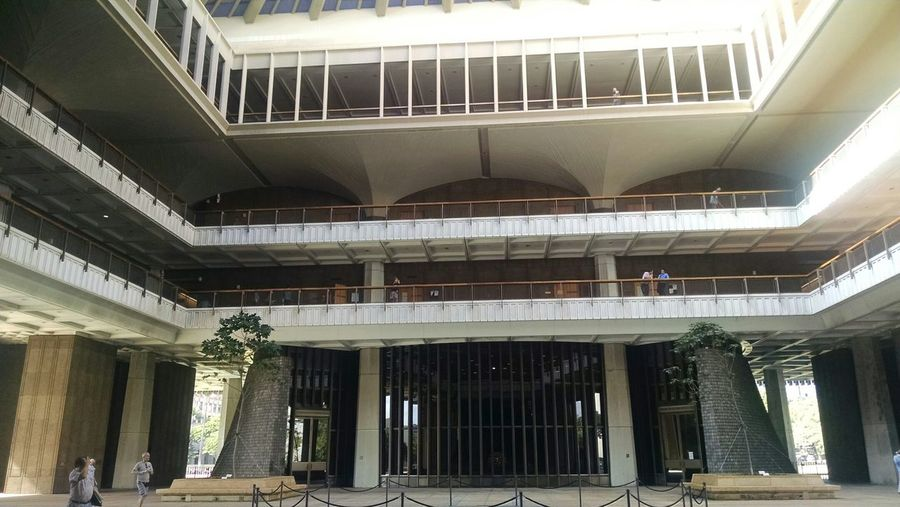 Photo number 6 The open air gardens at the state capital in Hawaii. Architecture From 1970s Architecture Architecturelovers