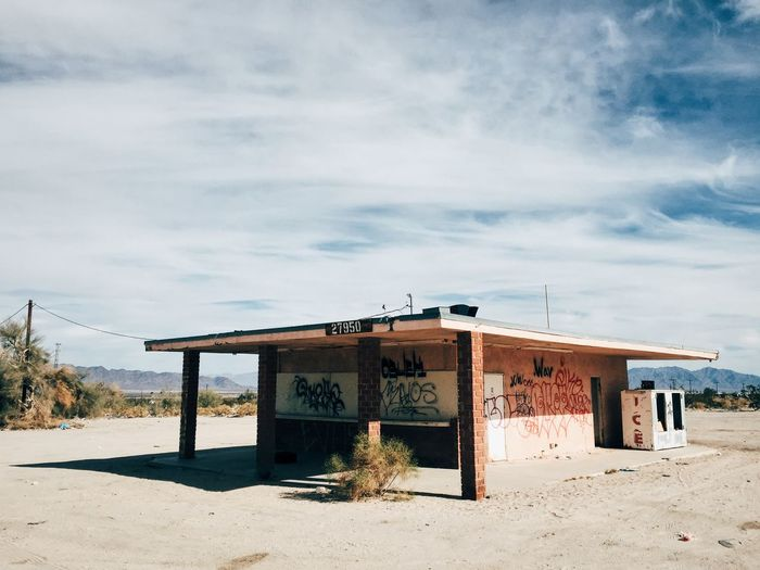 The Desert Center hamburger stand. Nothing lasts forever. Desert Deserts Around The World Other Desert Cities Abandoned Abandoned Places Abandoned Buildings Beauty Of Decay Vscocam