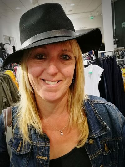 Looking At Camera Adult Fun Close-up Women Womanofstyle Hat Fashion Wifey♡ Leanne Loveher Fittingrooomswag The Fashion Photographer - 2018 EyeEm Awards The Portraitist - 2018 EyeEm Awards