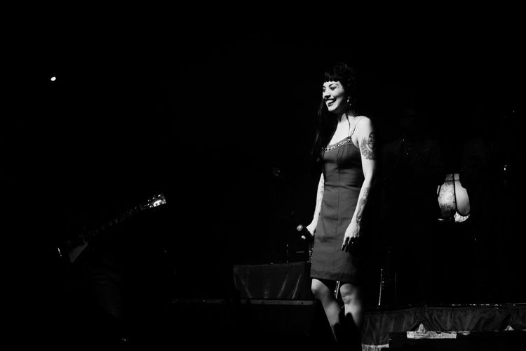 Mon Laferte x #AmárrameTour #band #buenosAires #Concert #concert_photography #girl #mexico #monlaferte #music #Show #woman #womanportrait Night Real People
