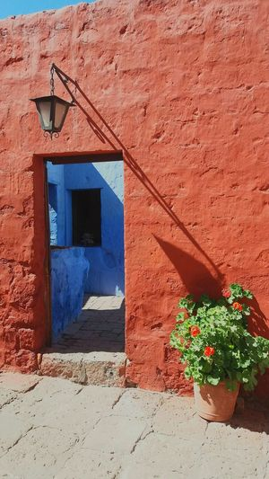 Arequipa, Peru Perú ❤ Arequipa - Peru Convento Old Buildings Sunlight Sunny Day Colorful Color Of Life Travelphotography Travel Arequipa City Beautiful Day