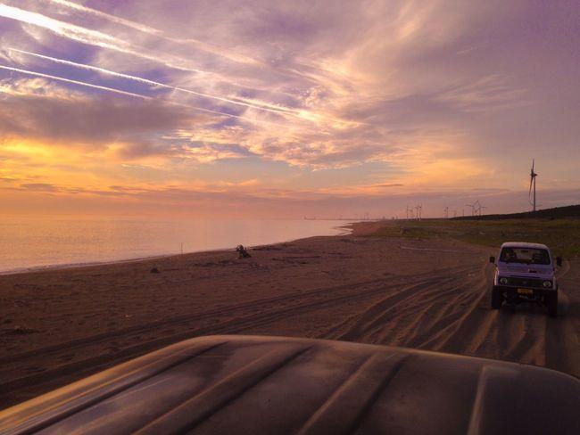 IPhone IPhoneography Light And Shadow EvningGlow Sky Collection Beach Photography Evning Sky Suzuki Jimny Land Cruiser