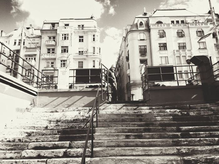 Waiting Lonely Alone Waiting Minor Mono Budapest Hungary City Architecture Built Structure Building