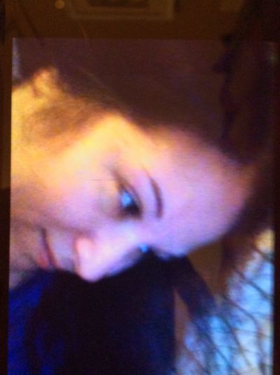 One Person Close-up Nikki Selfie ✌ Italianwoman Bedroomeyes No People Nicole Its Me Sicilian Girl Seldenny LongIslandNY Brown Eyes Human Face Front View Blurry Essentialtremorsawareness
