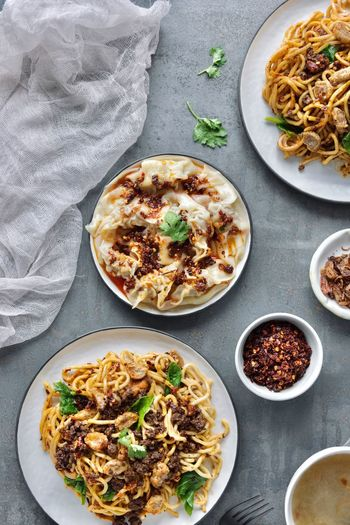 Homecook spicy noodles 🌶 Still Life Indulgence Serving Size Bowl Wellbeing Table Meal Italian Food Indoors  Directly Above Plate Paper Vegetable