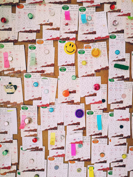 Memo notes pinned on cork board. Cork Memories Board Choice Communication Multi Colored No People Notes From The Underground Paper Pinne Pinned Post It Post It Paper