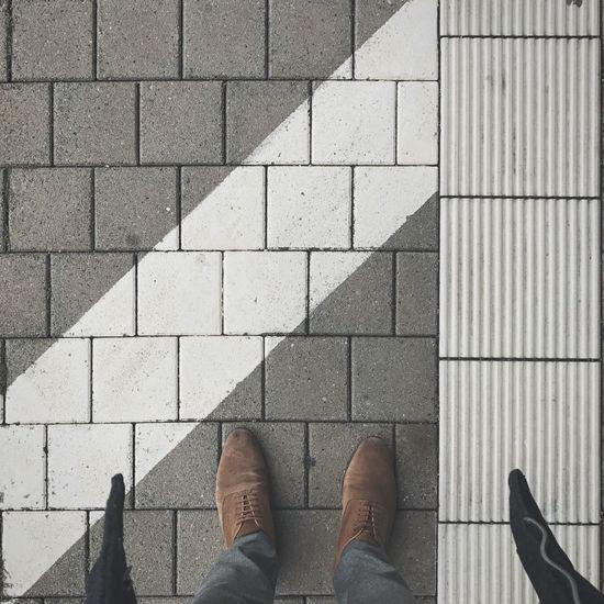 Waiting Train Station Autumn Autumn Colors Lines Tiles Platform Geometric Shape Grey White