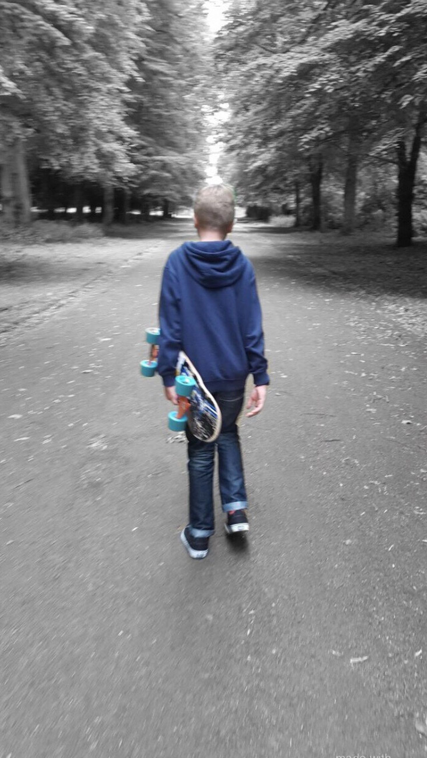 full length, casual clothing, childhood, one person, front view, tree, children only, people, day, outdoors, nature
