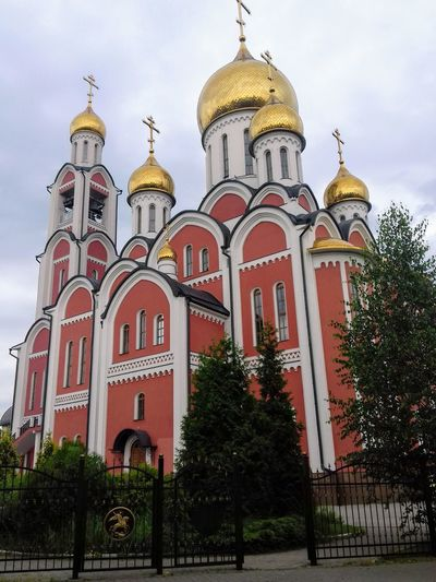 Religion Dome Architecture No People Built Structure Architecture History Looking At Camera Russia Crosses Domes Shrine Church Tower Church Architecture Church Sanctuary In The City Sanctuary  Fane Tample EyeEm Best Shots Gold Colored EyeEm Gallery EyeEm Russia россия Eyeemphotography
