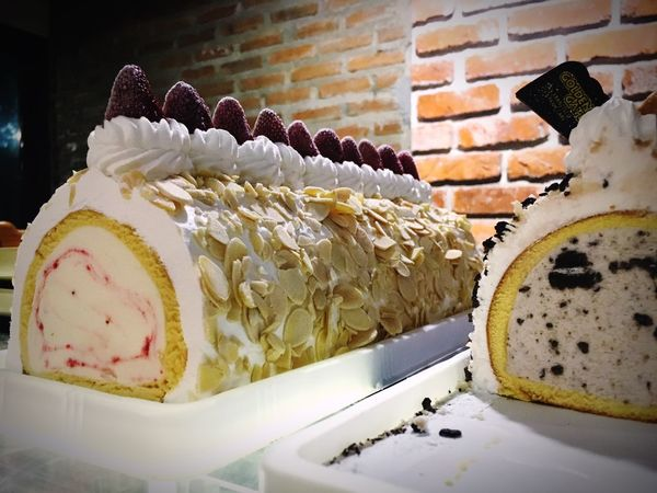 Roll Cake Icecream Icecreamcake  Icecream Roll Ice Cream Time Almond Almonds Strawberry