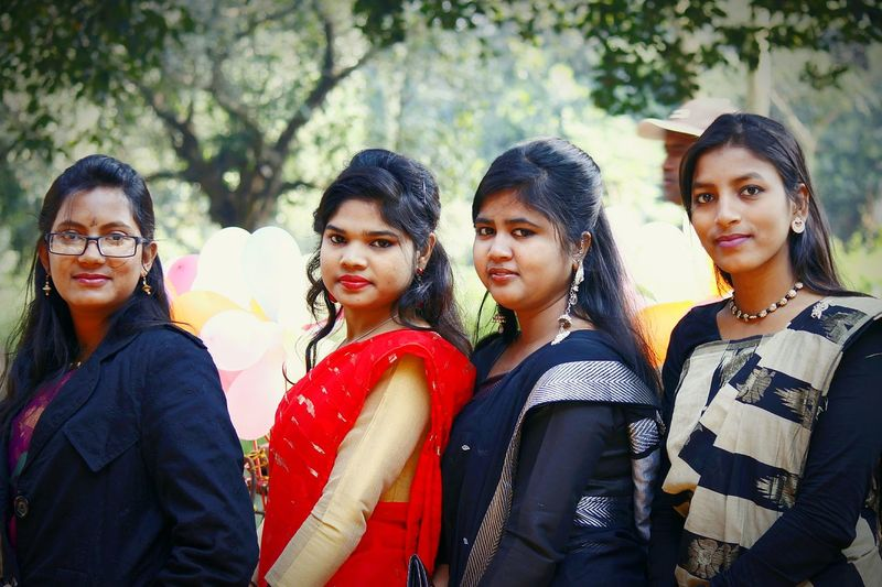 ★★★★ Color Group Portrait Rexa Hossain