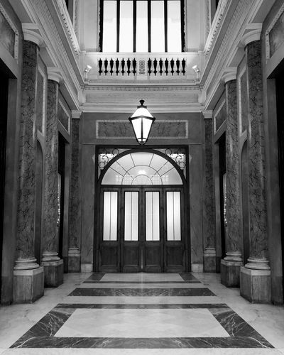 IPhoneography Blackandwhite Discover Italy / With Ale TheMinimals (less Edit Juxt Photography) Napoli Architecture Architectural Column History Built Structure Dome Arch Government