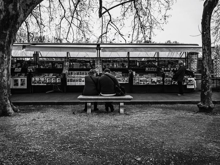 Love Rome Rome Love Streetphoto_bw Streetphotography Street Urban Town City White Black & White Black And White Blackandwhite Sitting Real People Tree Togetherness Full Length Men Outdoors Rear View Leisure Activity Lifestyles Women Nature Friendship Adult People Sky Day