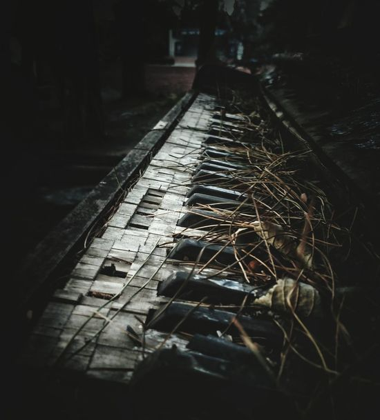 Piano Piano Moments Old Old Piano Oldtimer Misty Outdoors Piano Keys Somewhere Evening Architecture