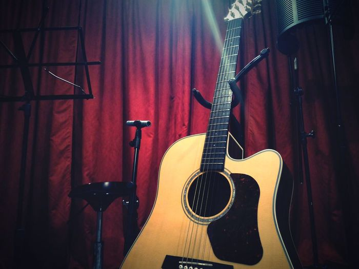 Recording Acoustic Acoustic Guitar Acousticguitar Acoustics Acousticnight Guitar Asuszenfone2 Asus Smartphonephotography Studio
