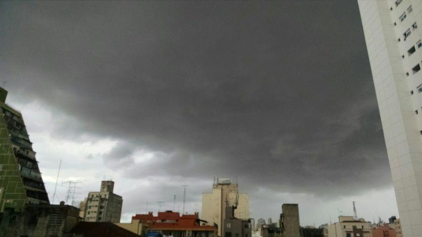 Tempestade chegando Sampa Belavista Centrodesaopaulo Chuvavem