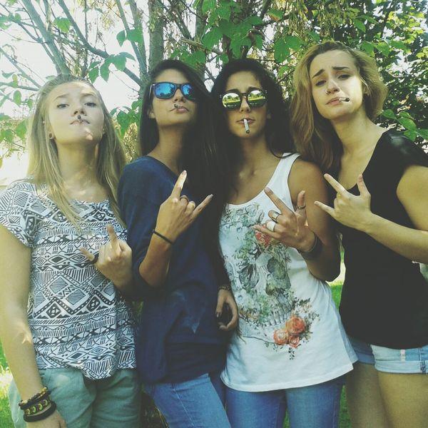 Friends Ganja Party Enjoint