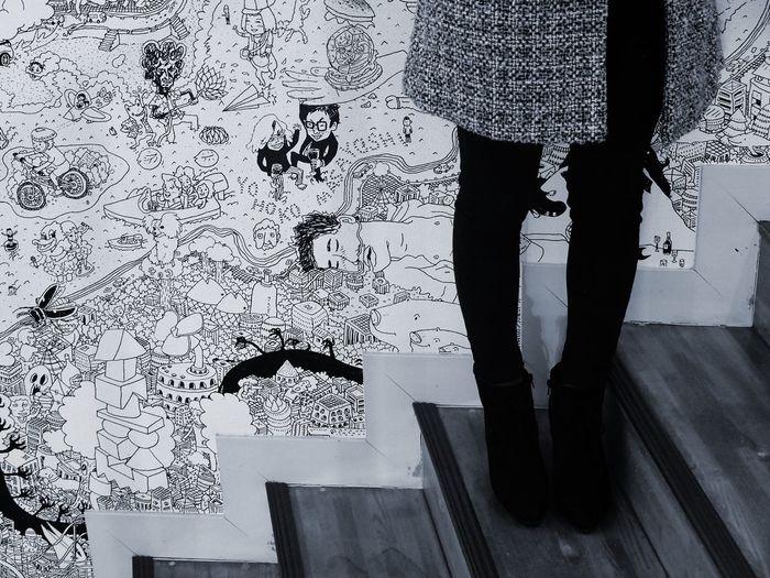 階段が大好きデショ Indoors  Low Section Women Human Leg One Person Occupation Human Body Part Art EyeEm Gallery Body Part Black & White Monochrome Photography Monochrome Black And White Collection  おやじ Illustrationart