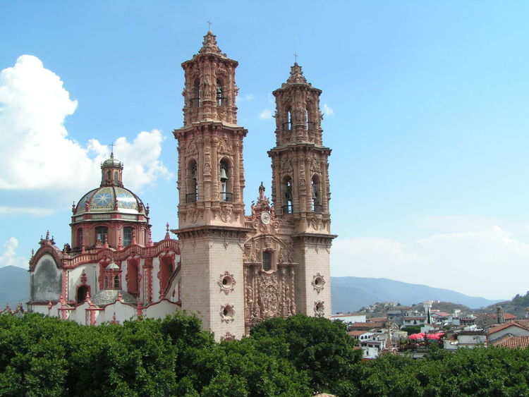Santa Prisca, Cathedral, Taxco, Mexico Catedral Mexico Architecture Barroque Style Bell Tower Building Exterior Built Structure Catholic Church Cloud - Sky Colonial Architecture Day Dome History No People Outdoors Religion Sky Spirituality Travel Destinations Tree