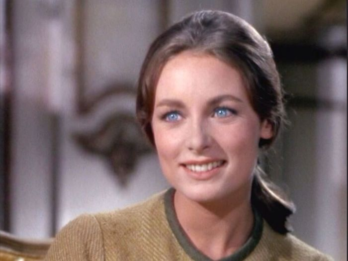 I honestly think Charmian Carr who played the elsest of the Von Trapp children, Liesl in the Sound of Music is and will always be one of the most beautiful and elegant women in the world and I'm not embarassed to say I'm a little bit obsessed with her. She's aged so gracefully but it breaks my heart The Sound Of Music Idol Liesl Charmian Carr