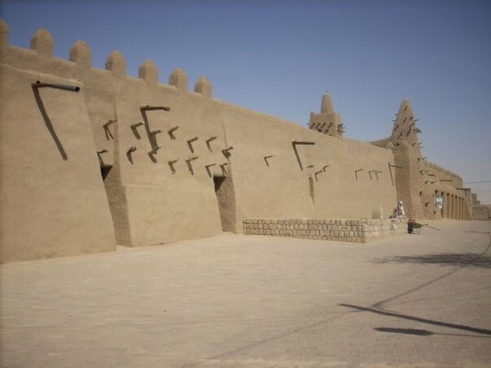 Taking Photos of one of the oldest mosque in the world in Timbuktu. Fueling The Imagination