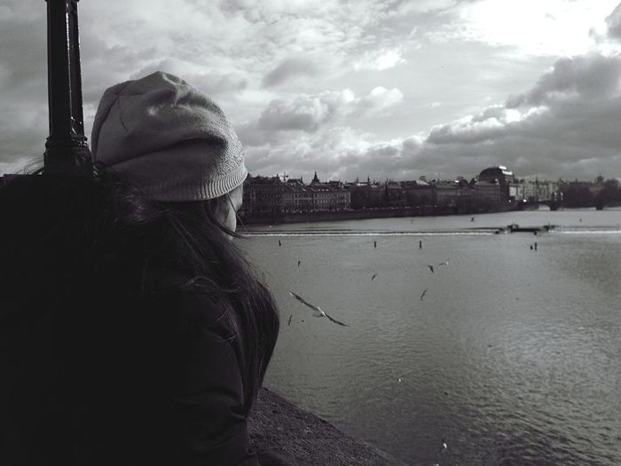 Sound Of Life Looking For Something Looking For Freedom Living Prague Freedom Birds The Moment - 2015 EyeEm Awards
