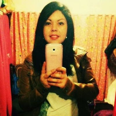 Usar la sonrisa tierna, para fines perversos?? Kawai Yo Picoftheday Aburrida xoxo picdelayanineday pou girl smile mirror instaday instaeffects accionpoetica nochedeletras .~???
