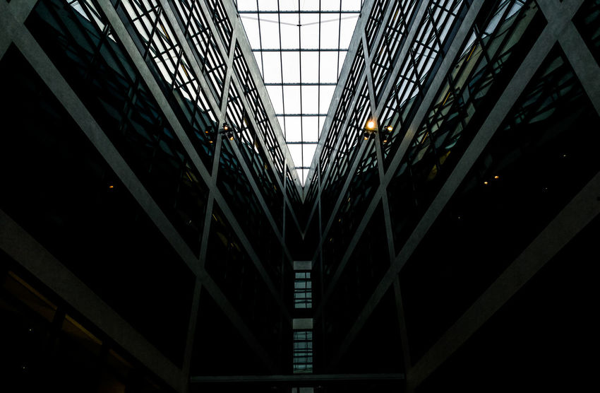 Darksundaylookup Berlin Photography Minimalist Minimalist Architecture Modern Architecture Architectural Detail Architectural Feature Architecture Architecturelovers Building Story Built Structure City Darkness And Light Illuminated Indoors  Lookingup Minimalism Modern No People Sundaylookup Ralfpollack_fotografie HuaweiP9 Huaweiphotography The Graphic City