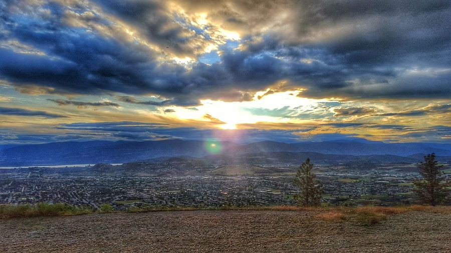 Lake View City View  Cityscapes Nature Eyeem Best Shots - Canada Cloud - Sky EyeEm Best Shots - Nature Rich Colors First Eyeem Photo Natural Beauty Majestic Nature True Beauty EyeEm Nature Lover Landscapes Sunset Toweringabove Landscape Dramatic Sky Bright Sky After The Rain Kelowna,BC Storm