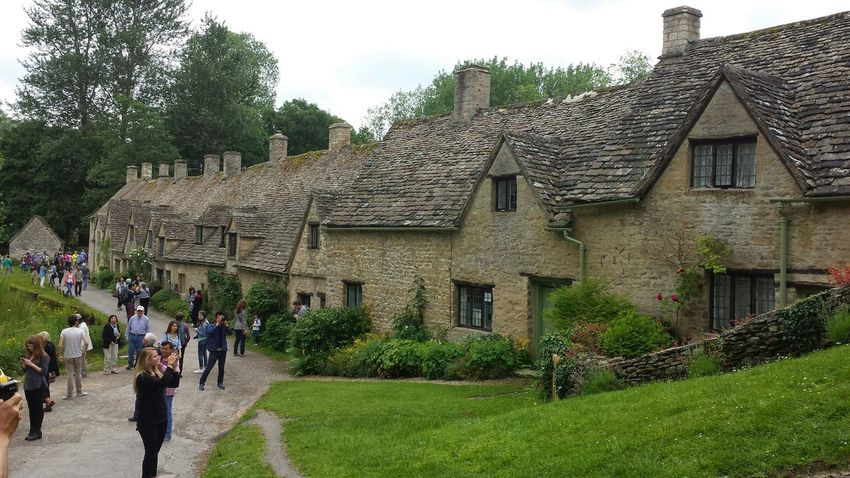 These are very beautiful cottages with Hobbit like doors. Beautiful place to visit Arlington Row, Cotswolds Taking Photos Check This Out Hello World Enjoying Life Relaxing Hi! Exploring New Ground Hanging Out