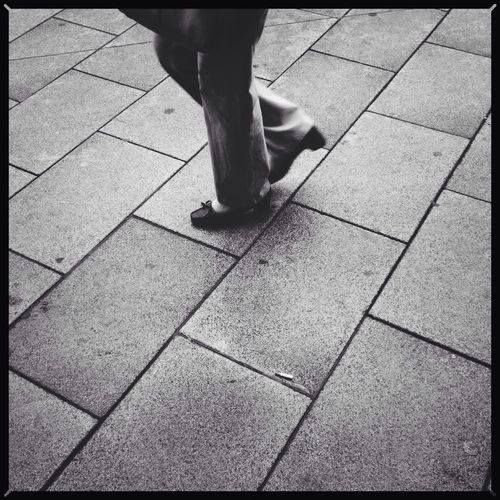 Urban glimpse. Blackandwhite Instant110 IPhoneography Project365 *291/365*