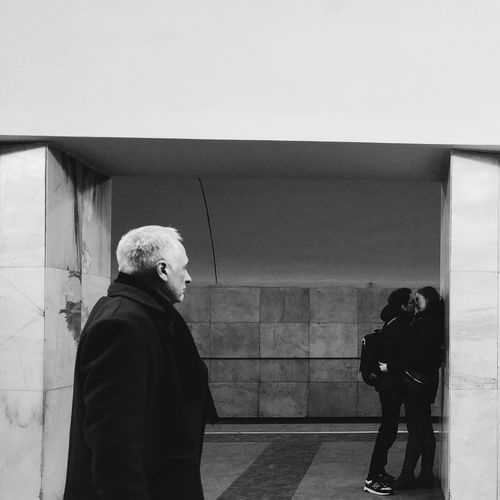 The man looks Rear View People Real People Subway Underground Street Photography Before Kiss VSCO Togetherness Kiss Vscocam Streetphoto Bnw Blackandwhite Blackandwhitephoto