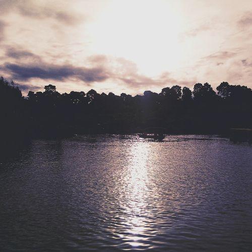 Tuesday Enjoying The Sun Wonderful Indonesia Beautiful Lake EyeEm Indonesia Taking Photos Afternoon Sunset Photo Of The Day