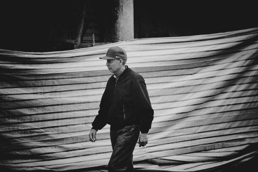 Streetphotography Blackandwhite Light And Shadow Portrait Taking Photos Urban Landscape Monochrome Streetphoto_bw Bolivia Cochabamba Blancoynegro Urban Geometry Eye4 The Streets B&w Street Photography EyeEm Best Edits EyeEm Best Shots - Black + White Tadaa Community