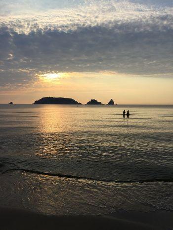What's the story morning glory Sunrise Water Sky Sea Scenics - Nature Beach Beauty In Nature Horizon Horizon Over Water Cloud - Sky
