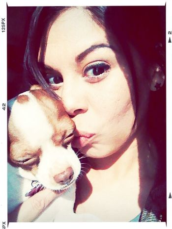 besos peanut!!!!! Hanging Out