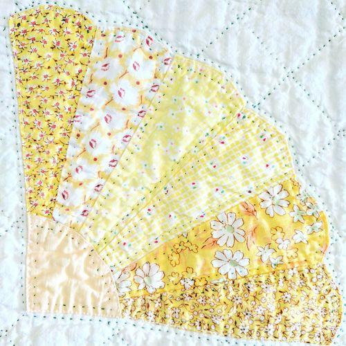 Fanquilt Fan Quilt Yellow Yellowquilt Vintagequilt Antiquequilt Depressionera Feedsackfabrics Floursackfabrics Depressionerafabrics Depressioneraquilt