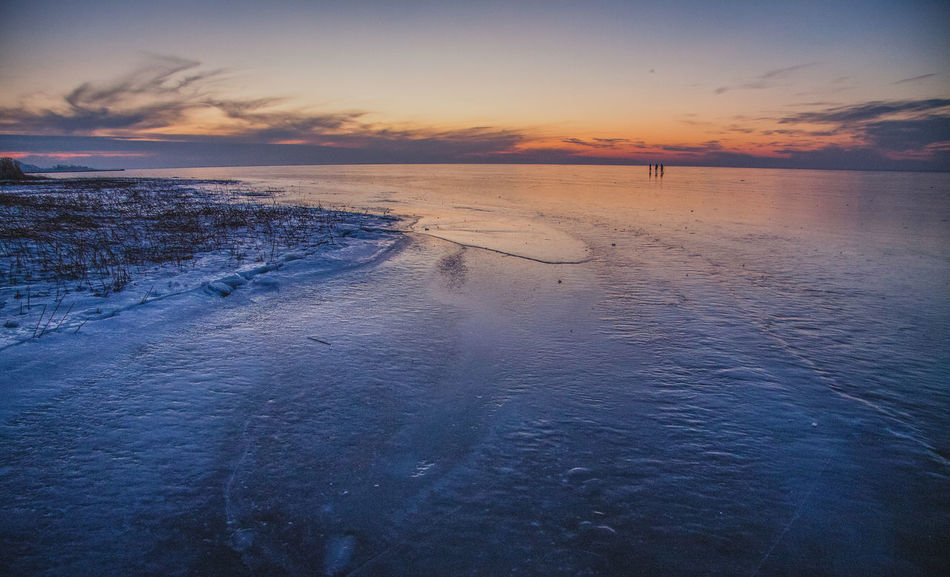 Beach Beauty In Nature Cloud - Sky Clouds Cold Horizon Over Water Ice Ka Kadyny Nature Naturelover Natureporn Outdoors People On Ice Reflection Sky Skyporn Sun Sunlight Sunset Water Winter Zalew Wiślany