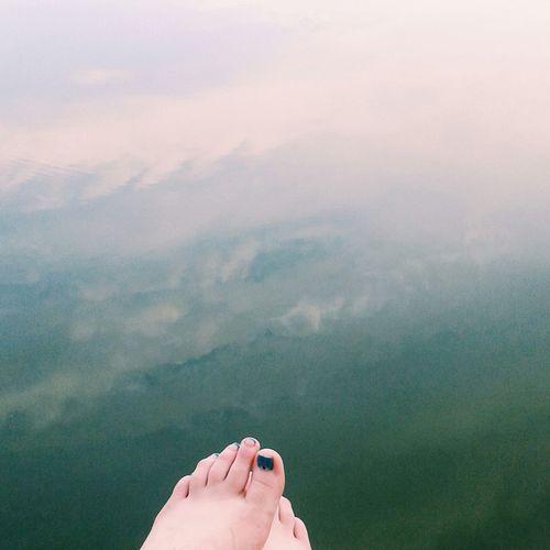 озеро палцы ноги зеленый